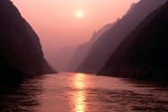 Wu Gorge of Yangtze River, China      I